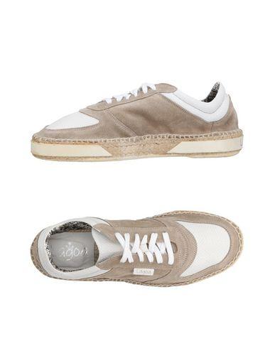 LAGOA Sneakers in White