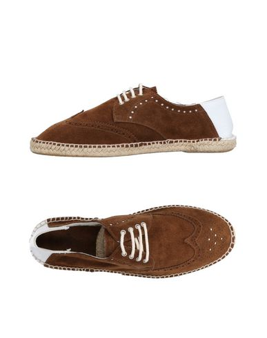 LAGOA Laced Shoes in Brown