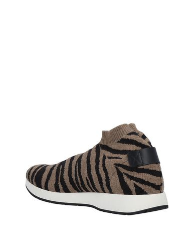 MOS Sneakers