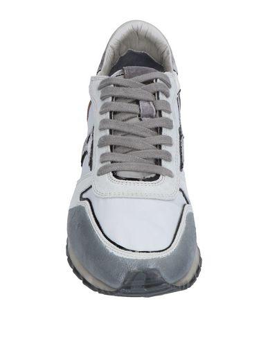 timeless design fbbbd 6c335 MIZUNO Sneakers  MIZUNO Sneakers  MIZUNO Sneakers ...