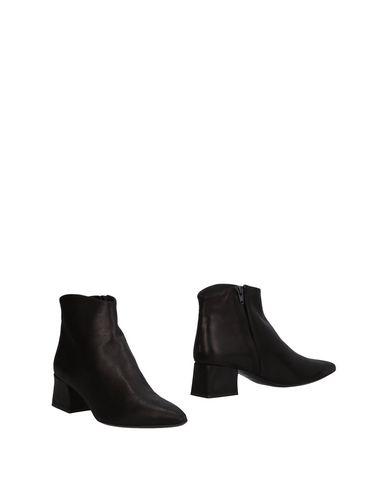 ANGELA CHIARA VENEZIA Ankle Boot in Black