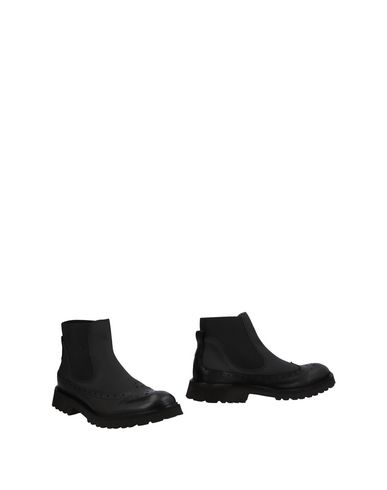 YAB Boots in Black