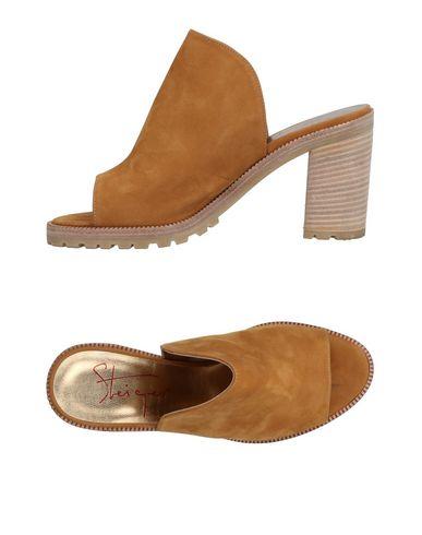 WALTER STEIGER Sandals in Camel