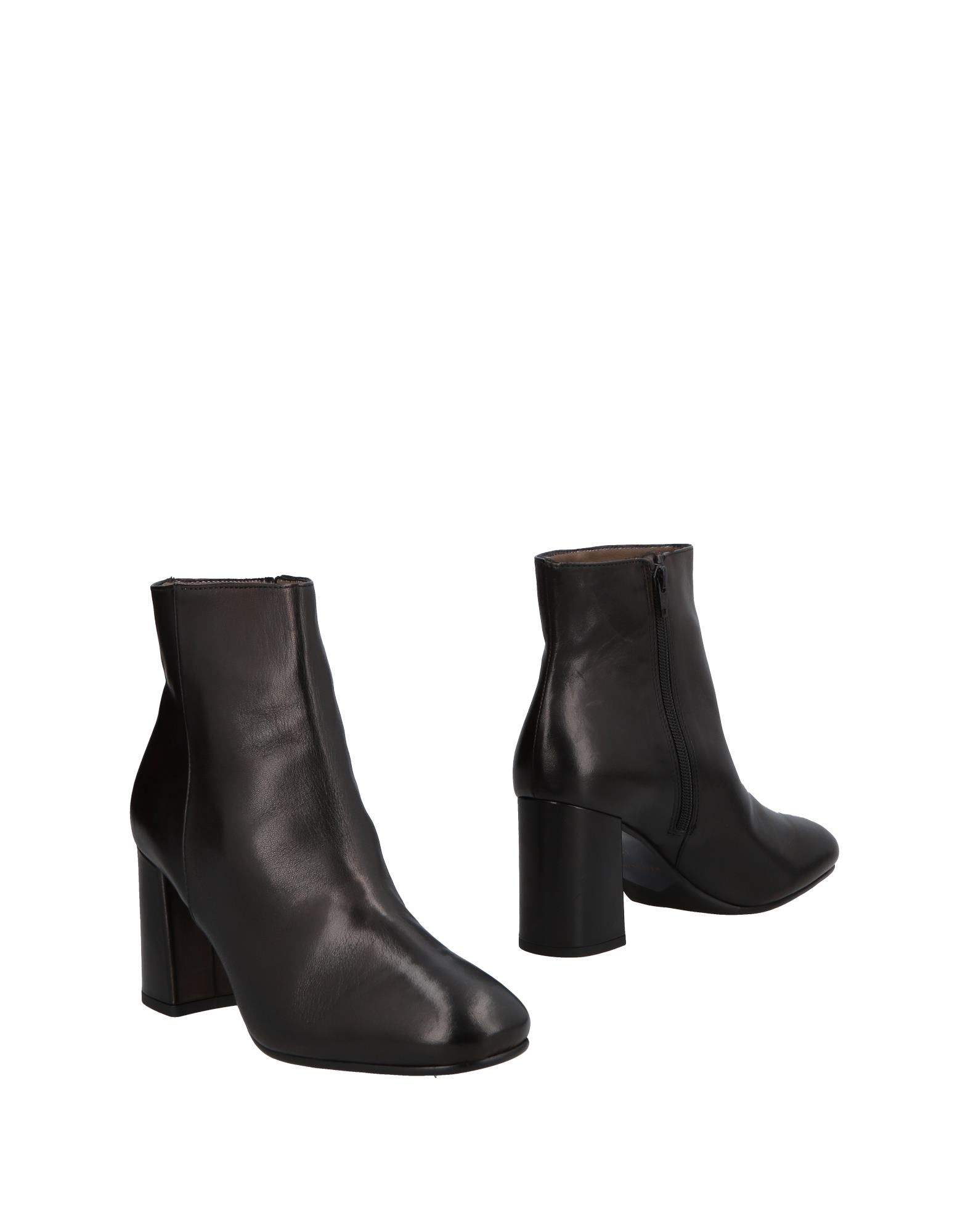 Michael Dass Ankle Boot Ankle - Women Michael Dass Ankle Boot Boots online on  Australia - 11498550NJ 2e0120