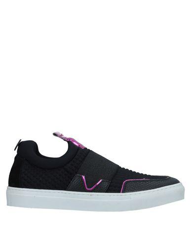 MARIANO DI VAIO Sneakers in Black