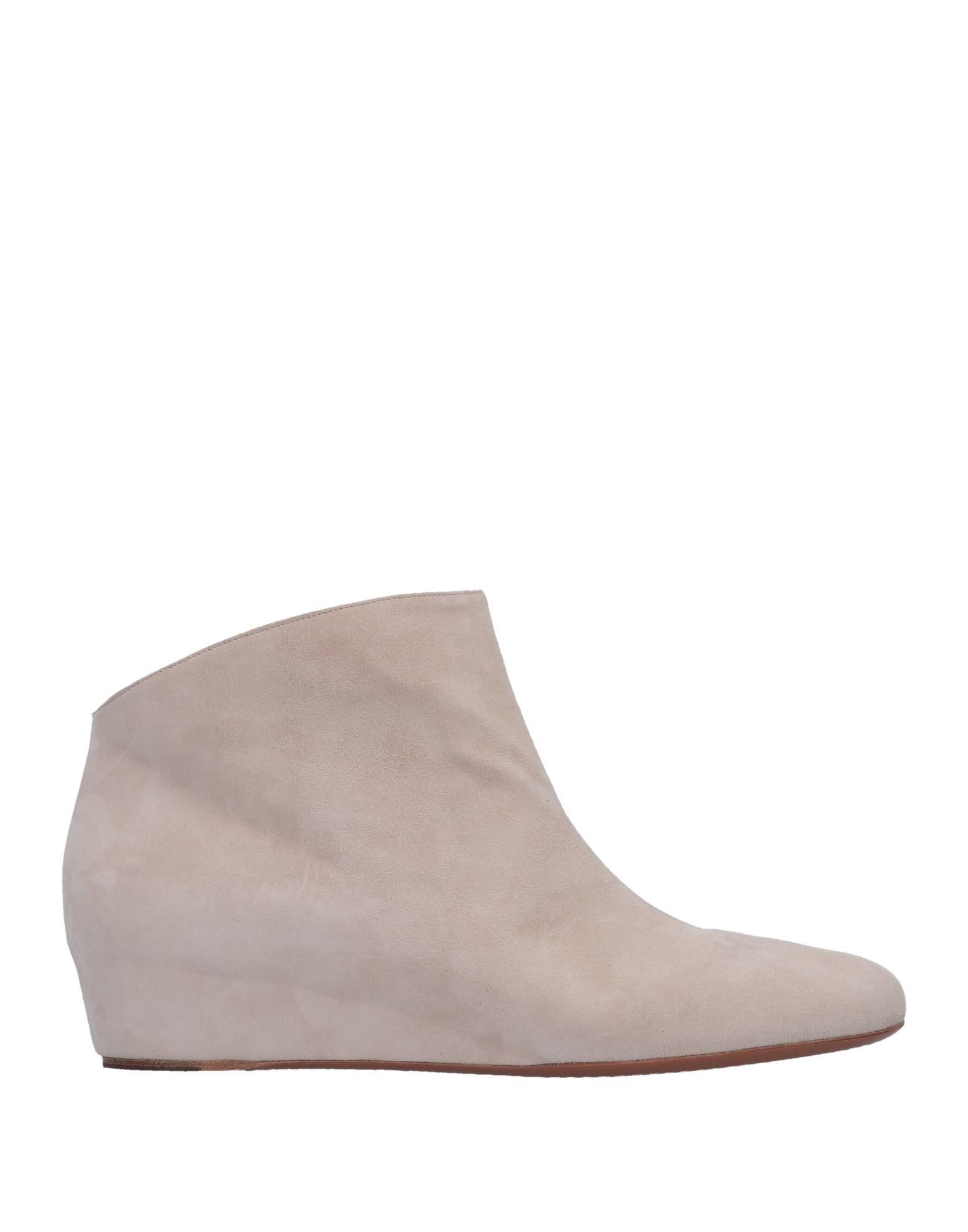 Alaïa Ankle Boot - Women Alaïa Ankle Boots - online on  Canada - Boots 11508828CS 2c562e