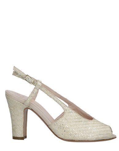 LENORA Sandals in Beige