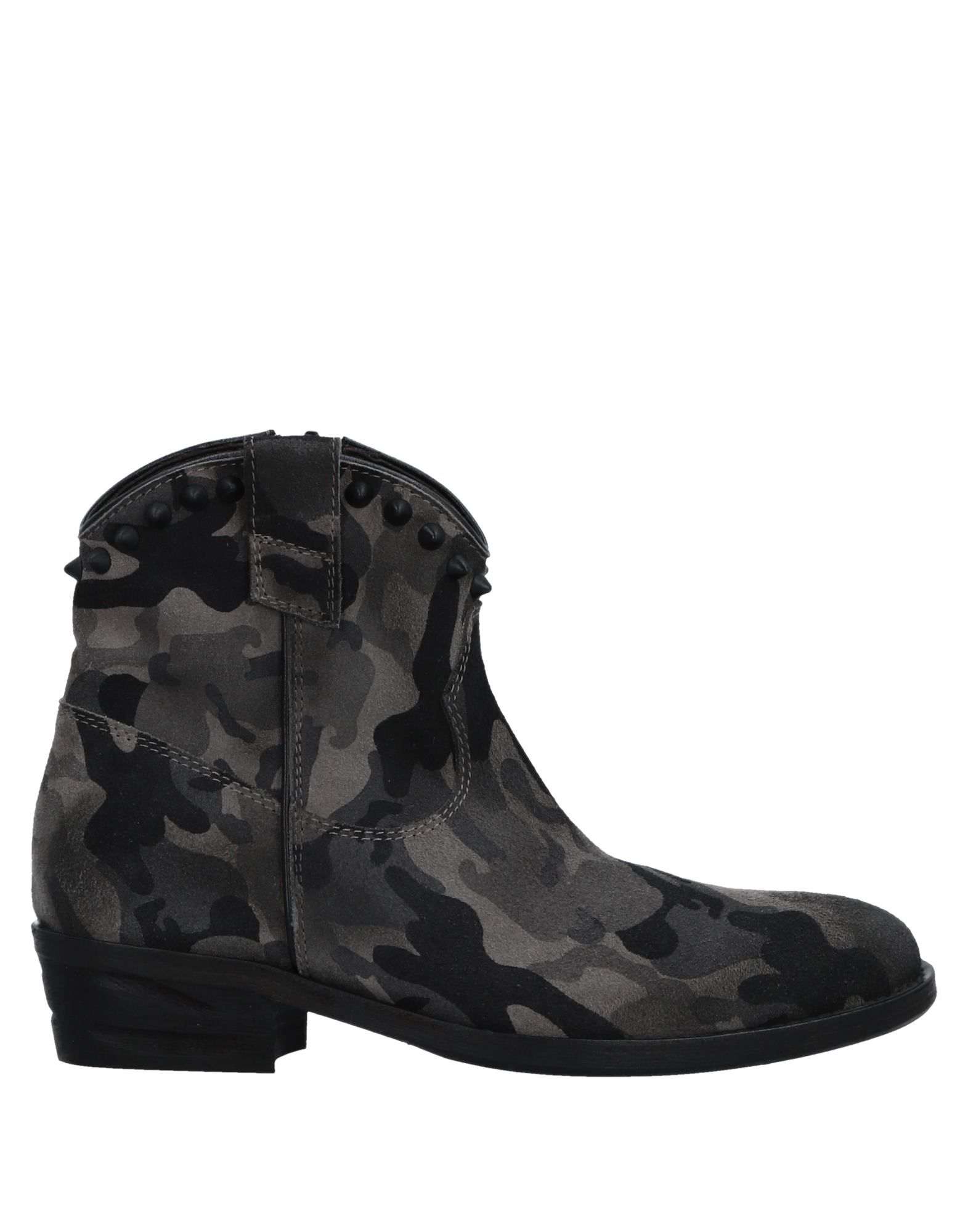 Via Roma 15 Ankle Boot - Women Via Roma on 15 Ankle Boots online on Roma  Australia - 11518740XM b21597