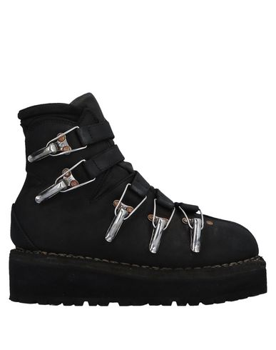 VIBRAM Ankle Boot in Black