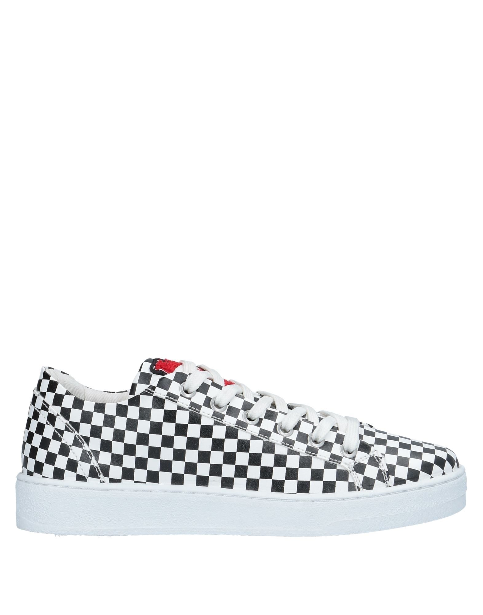 Love on Moschino Sneakers - Women Love Moschino Sneakers online on Love  Canada - 11525893DC d9ba33