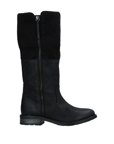 MDK Boots in Black