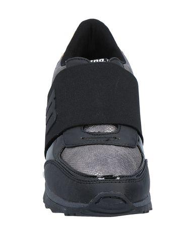 MTNG Sneakers