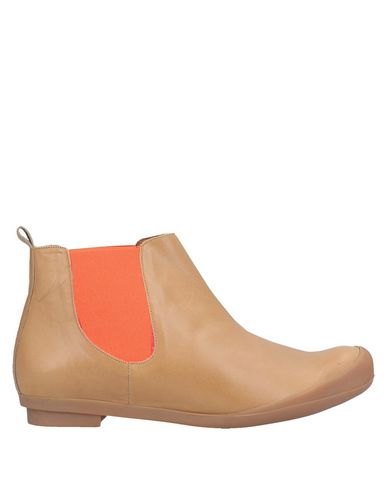TRACEY NEULS Ankle Boot in Camel