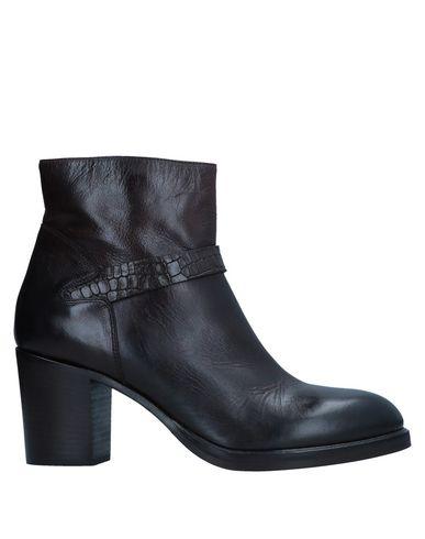 JFK Ankle Boot in Dark Brown