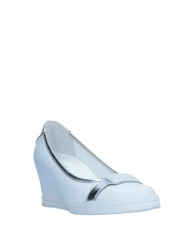 e855bd40aa45 Guess Pump - Women Guess Pumps online on YOOX United States - 11547099SB