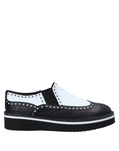 LAGOA Sneakers in Black