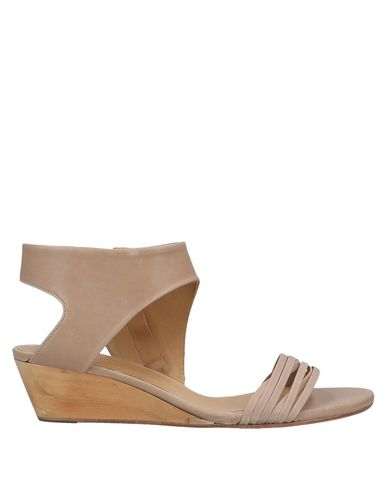 COCLICO Sandals in Pale Pink