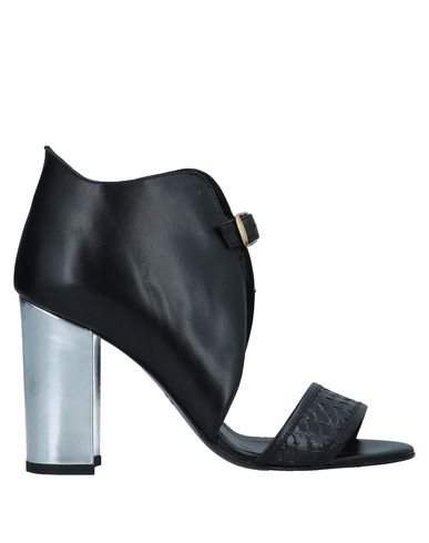 CASAMADRE Sandals in Black