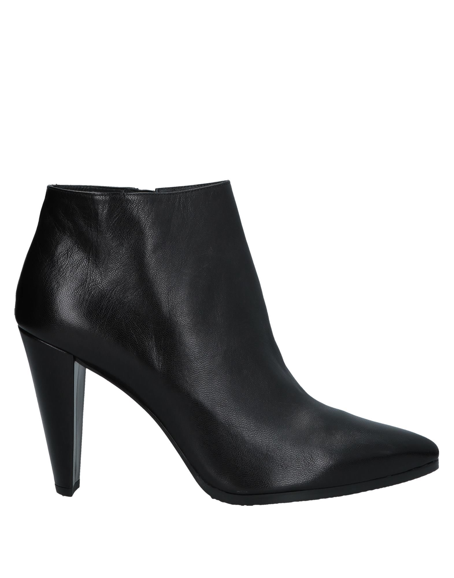 Stuart Weitzman Ankle Boot - Women Stuart Weitzman Weitzman Stuart Ankle Boots online on  United Kingdom - 11572363TE 022fdc
