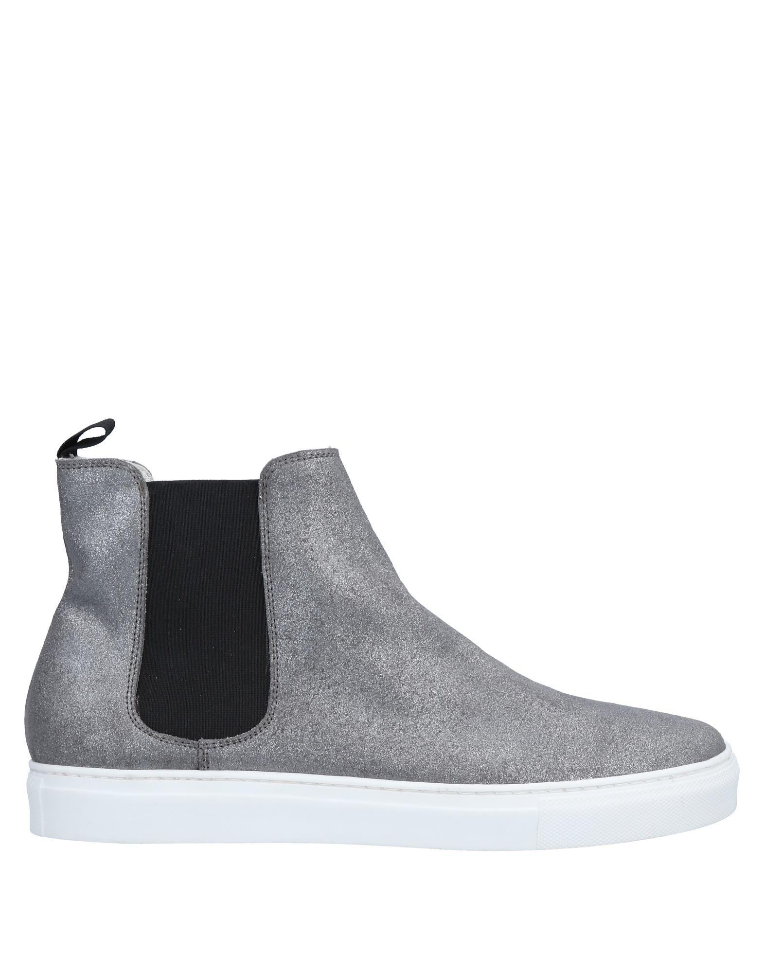 White Millan Sneakers Sneakers - Men White Millan Sneakers Sneakers online on  Canada - 11575068VQ 92f989