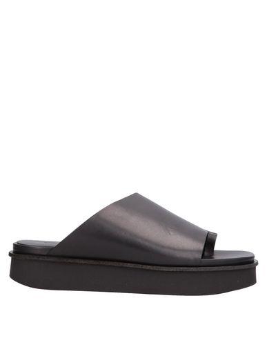 VIC MATIĒ - Flip flops