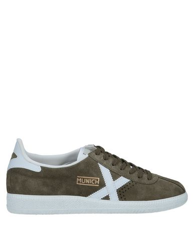 MUNICH Sneakers in Military Green