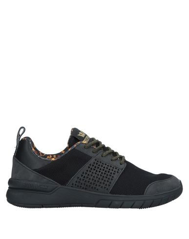 SUPRA Sneakers in Black