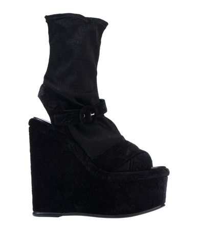MASSIMO LONARDO Sandals in Black