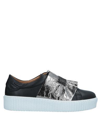 SVNTY Sneakers in Black