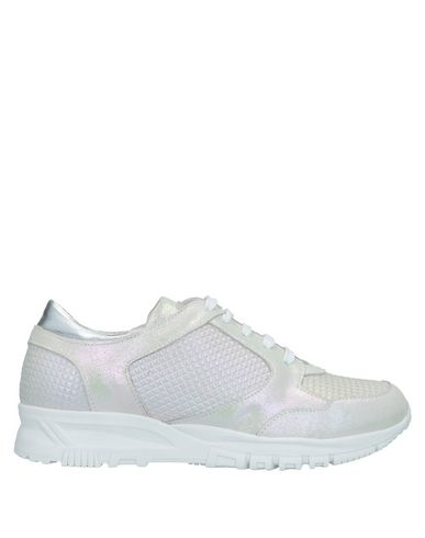 SVNTY Sneakers in Ivory
