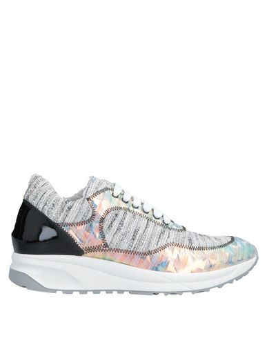 SARAH SUMMER Sneakers in Grey