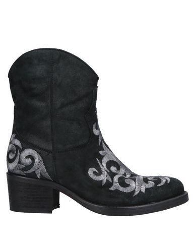 MASSIMO LONARDO Ankle Boot in Black