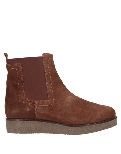 UNISA Ankle Boot in Brown