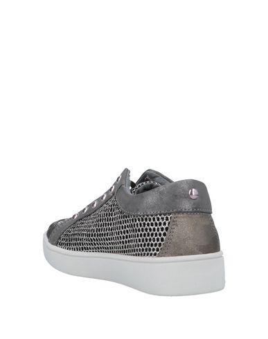 Guess Sneakers Sneakers Guess Gris Gris Sneakers Guess Guess Gris xwzgOn