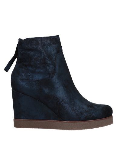 UNISA Ankle Boot in Dark Blue