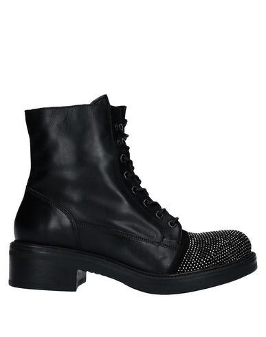 JFK Ankle Boot in Black