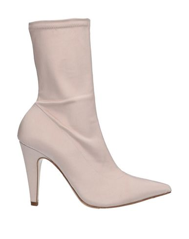 GIAMPAOLO VIOZZI Ankle Boot in Light Pink