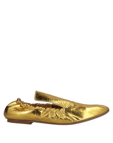 Loafers in Gold