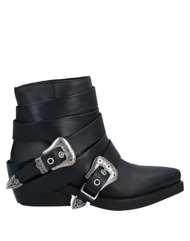 ELENA IACHI Ankle Boots in Black