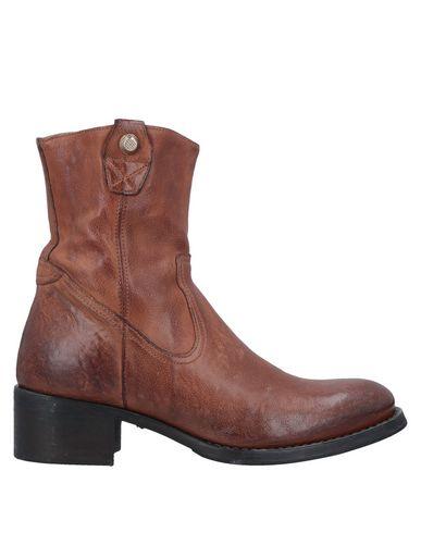 CORVARI Ankle Boot in Brown