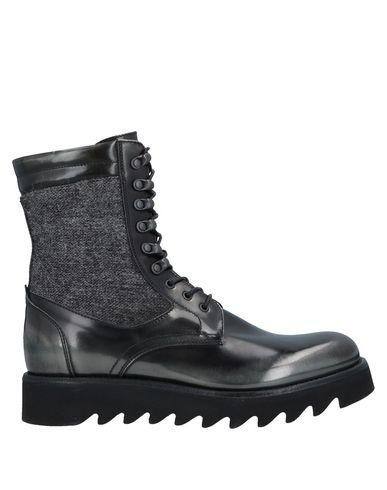 CORVARI Ankle Boot in Black