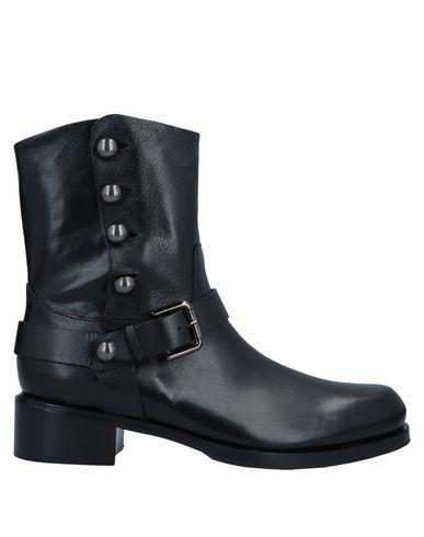 GAIA D'ESTE Ankle Boot in Black