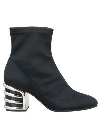 ROBERTO FESTA Ankle Boot in Black
