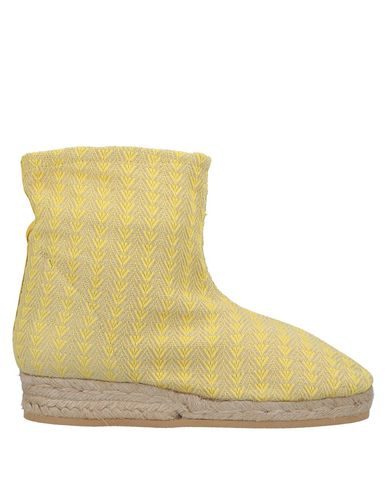 SUSANA TRACA Ankle Boots in Yellow
