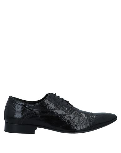 EVEET Laced Shoes in Black
