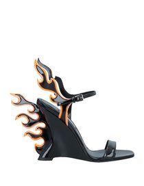 fb8a680a84 Γυναικεία παπούτσια Prada  γόβες και μπότες Prada στο YOOX