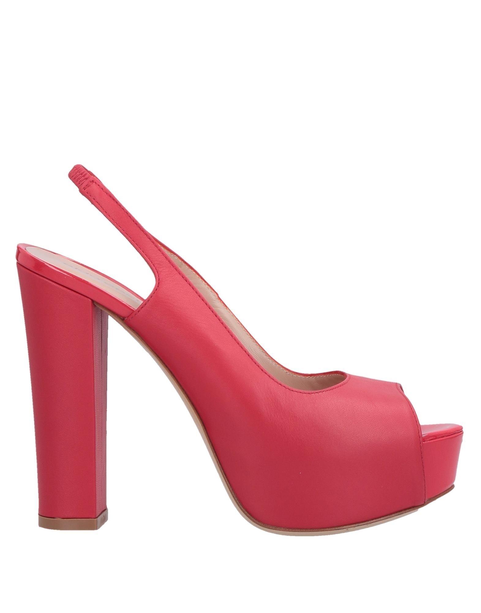 9efab6143 Женские босоножки и сандалии Aldo Castagna: элегантные модели на плоской  подошве и высоком каблуке