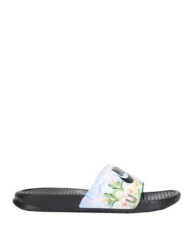 tout neuf 69be0 88584 NIKE Sandales - Chaussures | YOOX.COM