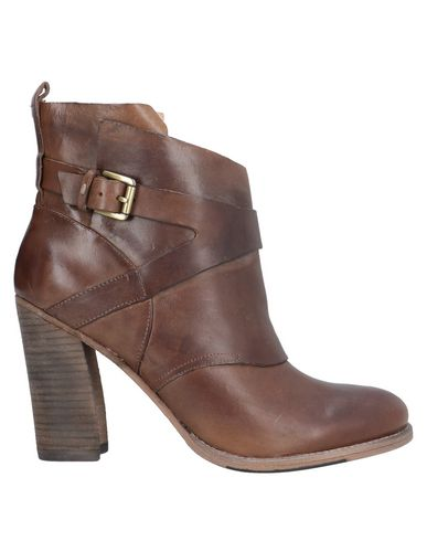 Belle By Sigerson Morrison Ankle Boot In Brown