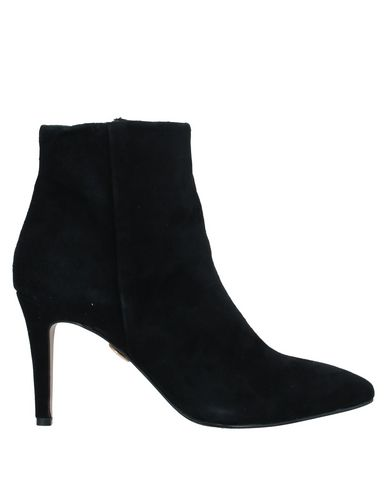 Ankle Boot by Buffalo